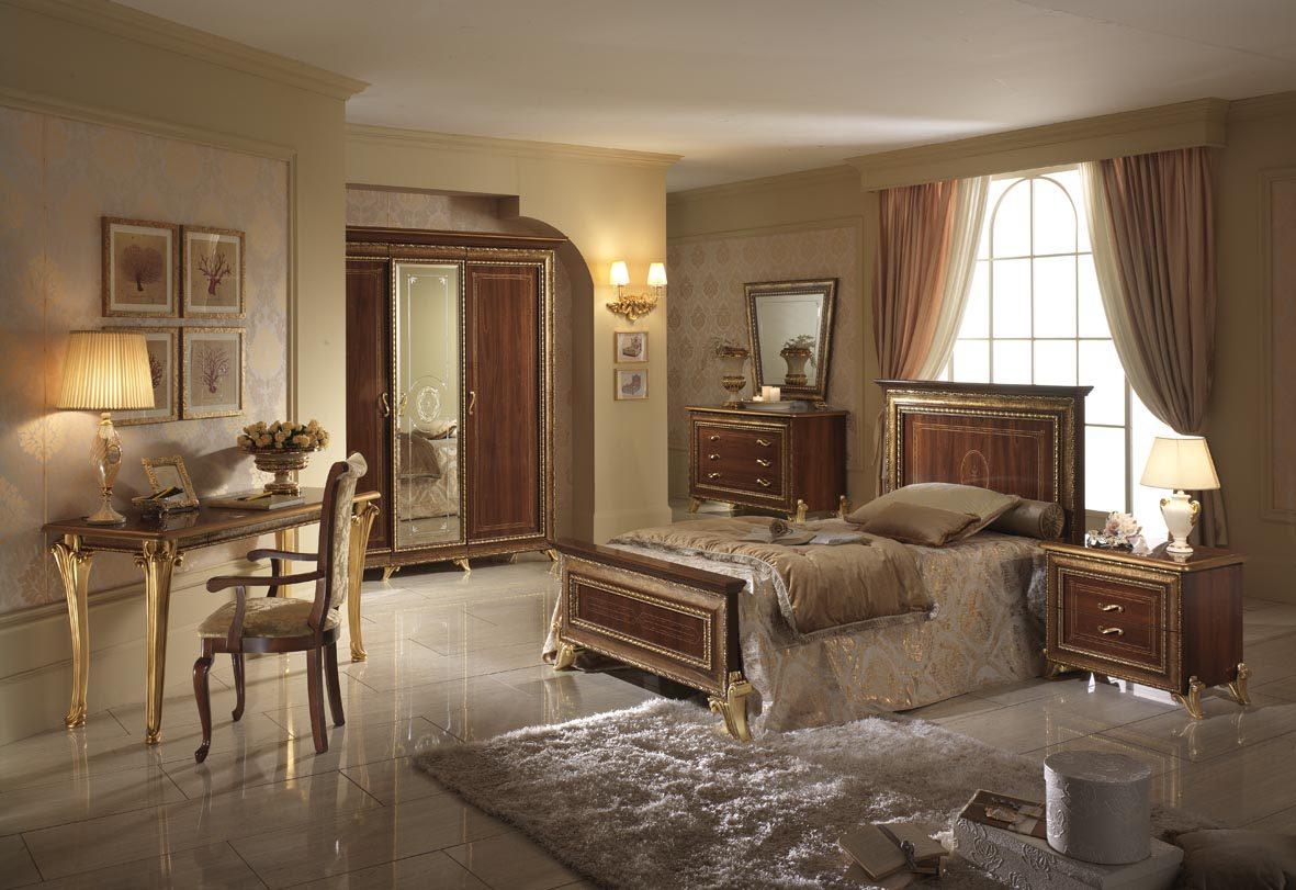 Dormitorio de matrimonio colonial im genes y fotos for Decoracion de interiores estilo clasico