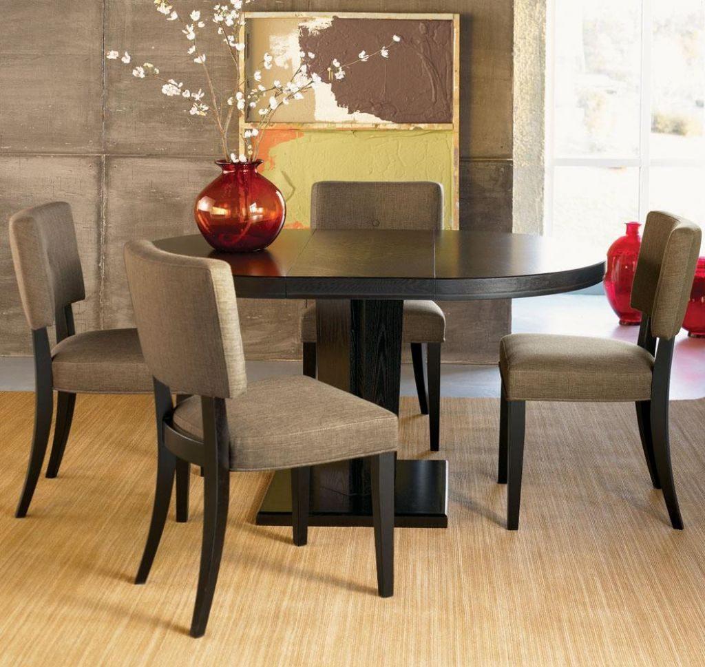 Mesa redonda para un comedor Feng Shui :: Imágenes y fotos