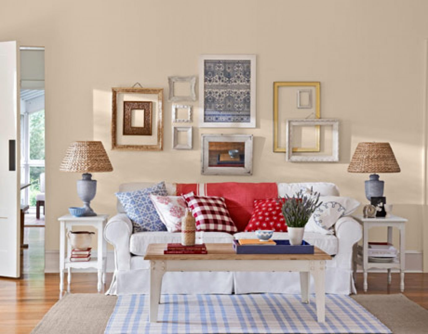 Galer a de im genes decoraci n vintage for Retro chic living room ideas